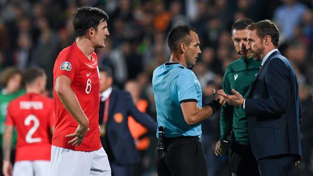 El escándalo de racismo, fuego cruzado y dimisiones que sacude al fútbol de selecciones