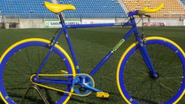 Bicicleta personalizada del Cádiz CF