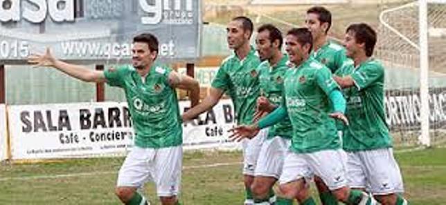 El Cacereño no pudo ayer con el Marbella en el estadio Príncipe Felipe (0-2)