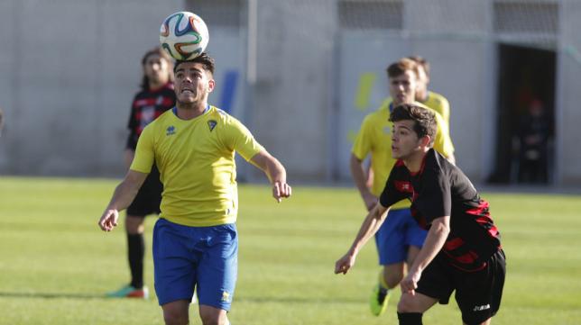 El Cádiz CF B sigue sin ganar en 2015 y es colista del Grupo X de Tercera