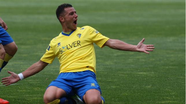 Airam estudiará esta semana que oferta le gusta más para abandonar el Cádiz CF.