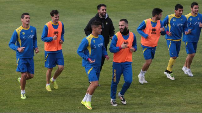 El Cádiz CF regresó a los entrenamientos con Navarrete al 100%