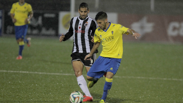 Canario con la Balona en el duelo de la pasada temporada ante el Cádiz