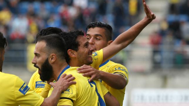 El Cádiz CF ya ve muy de lejos a sus perseguidores.