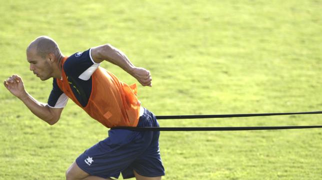 Domingo, durante un entrenamiento del Cádiz CF.