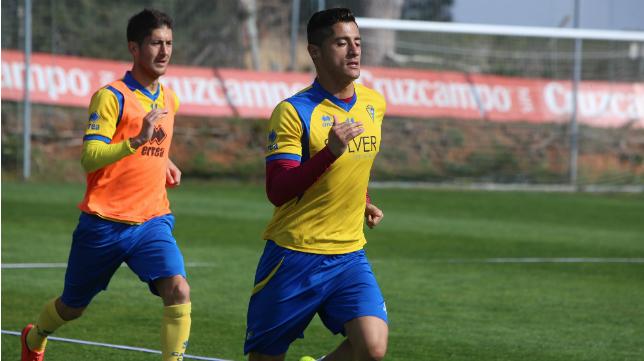 Hugo y Fran Machado apuntan al once titular en El Palo.