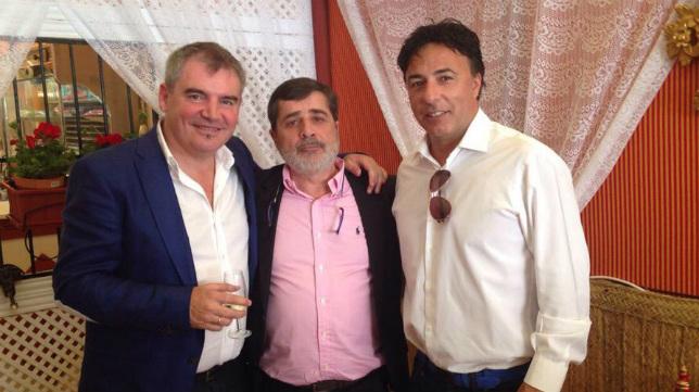Vizcaíno, González y Pina, en la Feria de Sevilla de 2015.