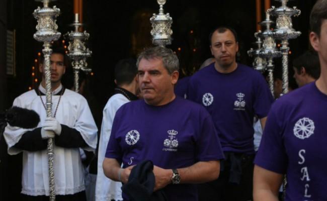 Manuel Vizcaíno, antes de meterse debajo del paso de Cigarreras el año pasado.