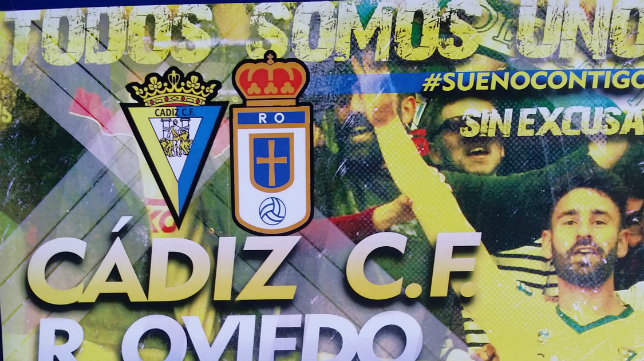 Cartel del Cádiz CF - Oviedo en Carranza
