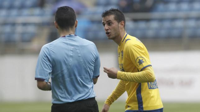 Ya se conoce el árbitro del Cádiz CF-Bilbao Athletic