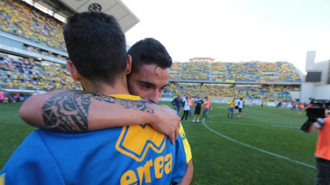 Tomás llora tras la derrota sufrida ante el Oviedo en el pasado 'play off'.