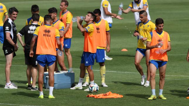 Canteranos en un entrenamiento del Cádiz CF