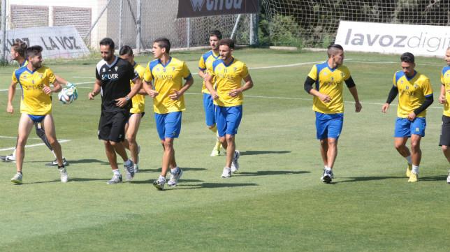 La plantilla del Cádiz CF cambiará notablemente la próxima temporada