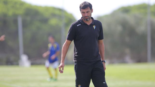 El Cádiz B de Fernando Niño perdió en Isla Cristina, pero mantiene el liderato del Grupo I de la Primera Andaluza