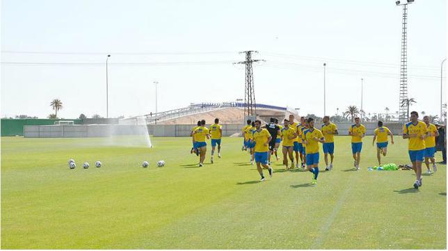 El Cádiz CF se ejercitó en  Elche antes de volver a tierras gaditanas