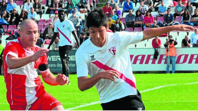 El sevillista Borja Lasso en un partido de la pasada temporada (Estadio Deportivo).