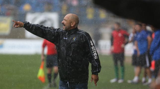 Claudio Barragán, en un momento del duelo de hoy.