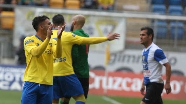 Kike Márquez firmó una buena actuación ante el Hércules.
