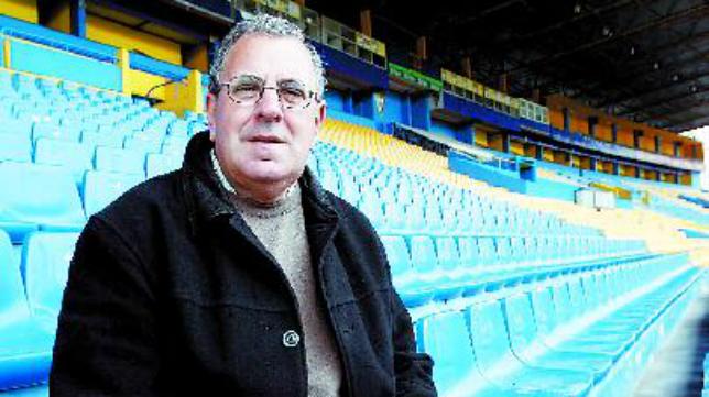 Luis Escarti ha sido entrenador y coordinador de la cantera del Cádiz CF