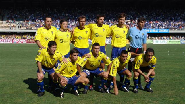 El once del Cádiz CF que logró el ascenso en Chapín