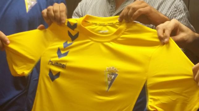 Hummel ha vestido este año al Cádiz CF.