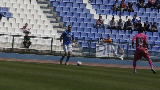 Juanjo, en un partido con el Melilla.
