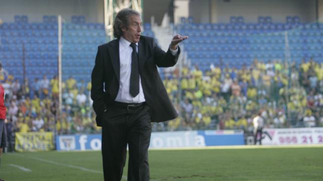 Julián Rubio, en su etapa como entrenador del Cádiz CF.