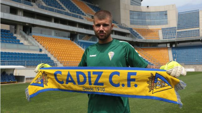 Pol Ballesté, en su presentación con el Cádiz CF.