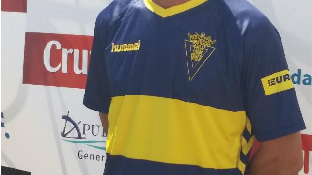 El Cádiz CF cambiará Hummel por Adidas.