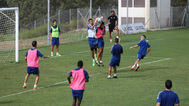 El Cádiz CF entrena en El Rosal