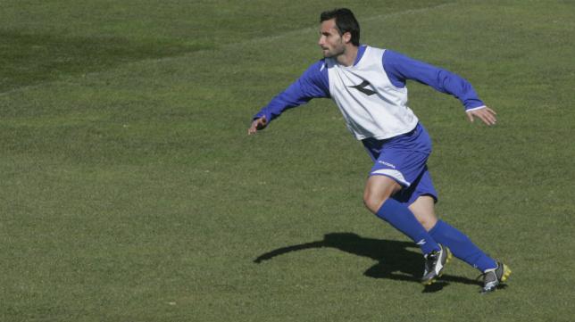 Dani Cifuentes  jugó en el Cádiz CF y en el Recreativo de Huelva en dos momentos malos para ambos clubes.