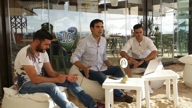 José Grima, en el centro de la imagen, nuevo directo de comunicación del Cádiz CF.