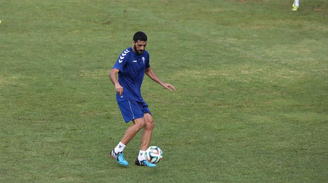 Güiza, durante un entrenamiento con el Cádiz CF.
