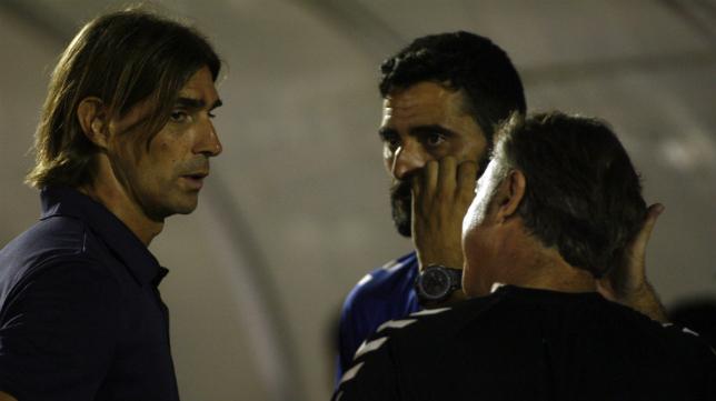 Güiza se saludó con Dani Pendín, un viejo conocido que ahora entrena al nuevo Xerez Deportivo.