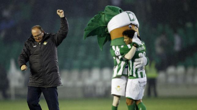 El entrenador del Betis, Pepe Mel, podrá contar con uno de sus hombres clave, Didier Digard.
