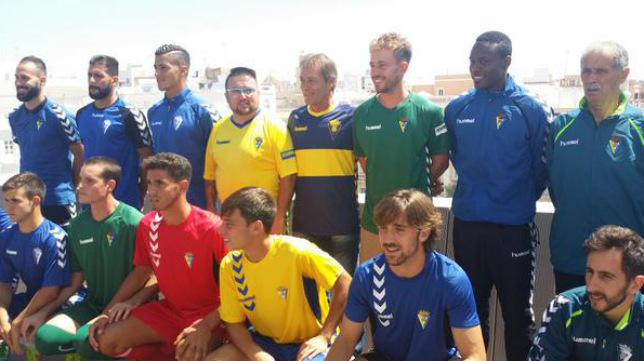 Las dos primeras equipaciones del Cádiz CF se ponen este sábado a la venta en la tienda oficial del club cadista