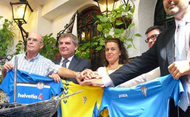 Los presidentes de los tres equipos, junto a la delegada de Deportes, en el acto de hoy.