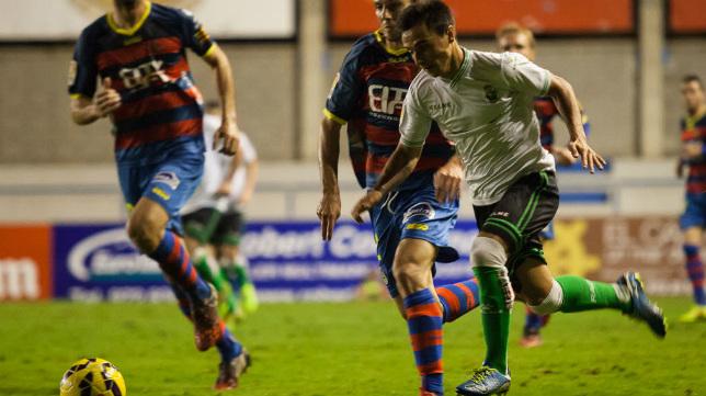 Álvaro García, en un partido de la pasada campaña con el Racing.