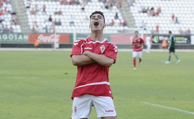 Arturo (Real Murcia) celebra uno de sus goles esta temporada. / LA VERDAD