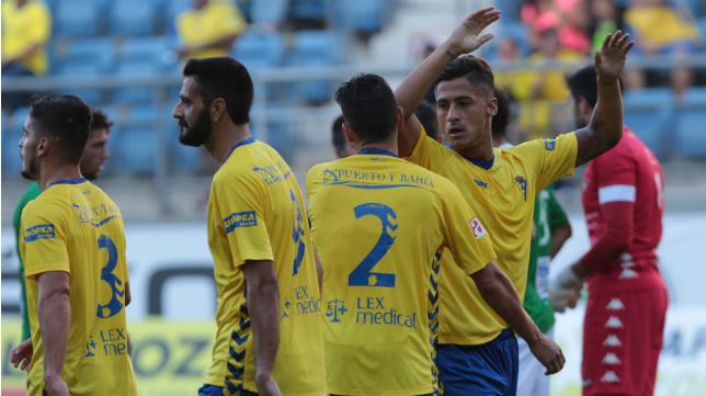 Hugo celebra su gol ante el Villanovense.