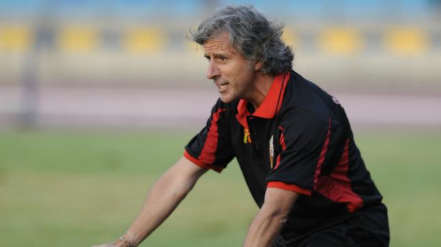 Roberto Aguirre, entrenador del CD Mensajero.