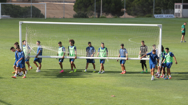 El Cádiz CF partirá hacia Granada mañana a las nueve de la mañana.