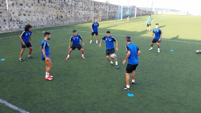 El Cádiz CF ha entrenado esta tarde en la ciudad deportiva del Tenerife. CCF