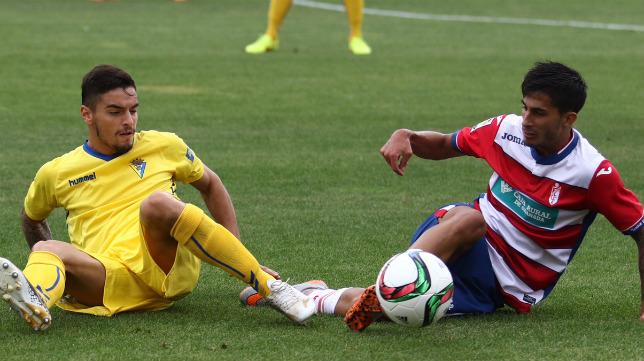 El Cádiz CF empató en Los Cármenes ante el Granada B en la primera vuelta