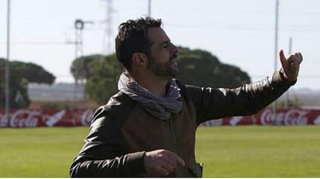 Mere y su Cádiz CF B ganaron en Vitoria.