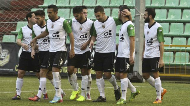 El Mérida sigue al frente de la clasificación del Grupo IV de Segunda B