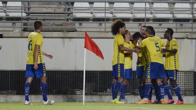El Cádiz CF pasará en una semana de jugar en La Condomina a competir en el Silvestre Carrillo