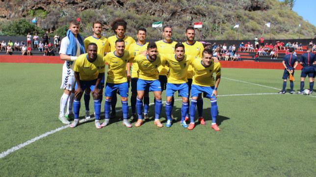 El once que el Cádiz CF ha sacado esta tarde ante el CD Mensajero.