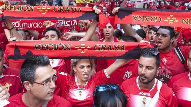 La afición del Real Murcia ya prepara el viaje a Cádiz