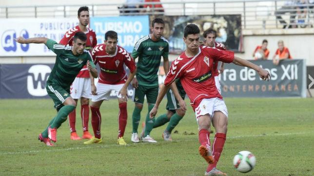 El Real Murcia ha mejorado sus números después de un complicado inicio